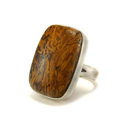 Сребърен пръстен с кобра яспис