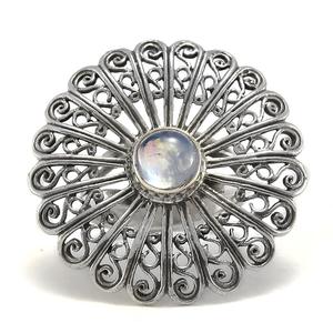 Филигранен сребърен пръстен с лунен камък