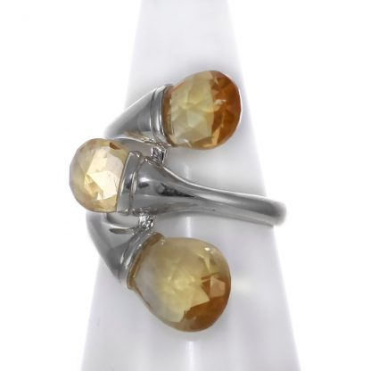 Сребърен пръстен с фасетирани цитрини