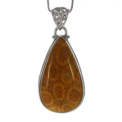 Сребърен медальон с индонезийски коралов фосил