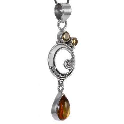Сребърен медальон с цитрини
