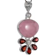 Сребърен медальон с розов опал и гранати