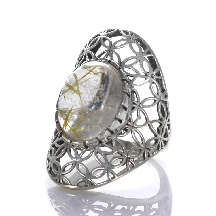 Сребърен пръстен със златен рутилов кварц (размер 55). Вижте го ТУК.