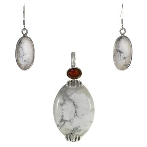 Сребърен комплект обеци и медальон с хаулит и гранат