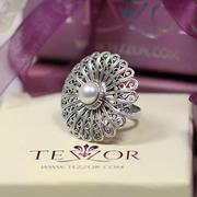 Сребърен филигранен пръстен с перла.