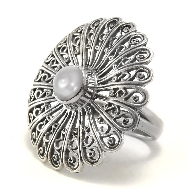 Филигранен сребърен пръстен с перла