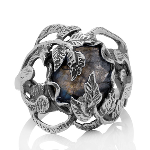 Орнаментиран сребърен пръстен с фасетиран лабрадорит