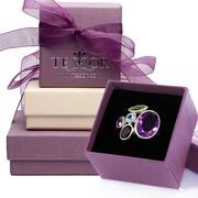 Нашите бижута пристигат при Вас в елегантна опаковка и със сертификат за качеството на среброто.