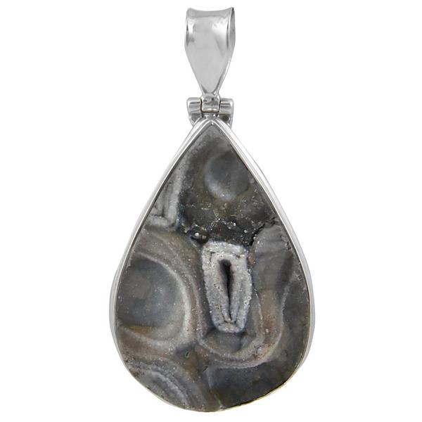 Едър сребърен медальон с пустинна друза