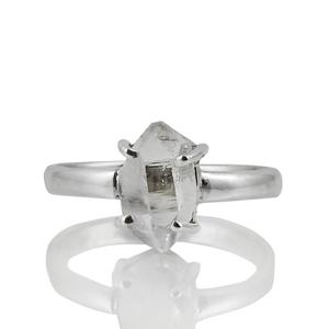 Нежен сребърен пръстен с херкимер кристал