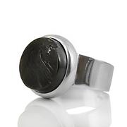 Изчистен сребърен пръстен с шунгит