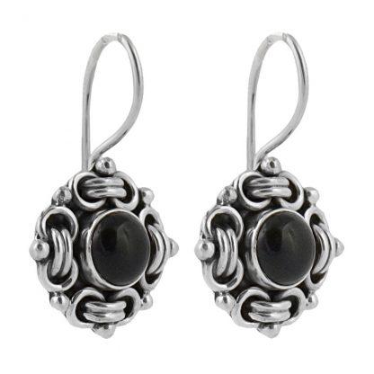 Сребърни обеци с черен оникс в орнаментиран обков