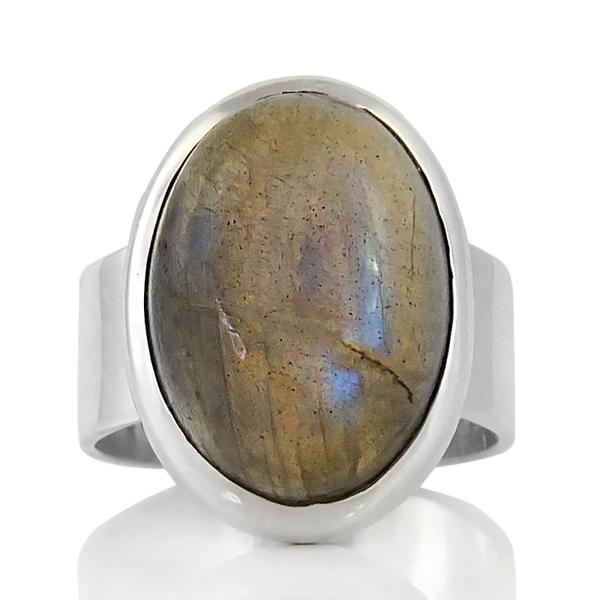 Изчистен сребърен пръстен с лабрадорит