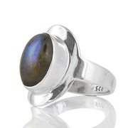 Сребърен пръстен със син лабрадорит