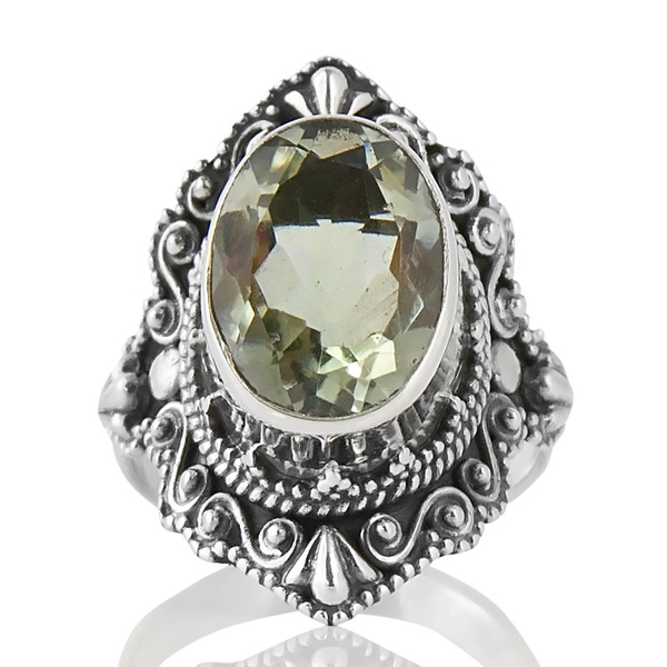 Сребърен пръстен с празиолит (зелен аметист) с орнаментиран обков