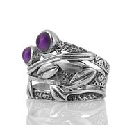 Сребърен пръстен с аметисти в орнаментиран обков