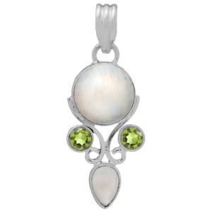 Сребърен медальон с лунен камък и перидоти
