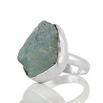 Сребърен пръстен с необработен аквамарин