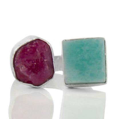Сребърен пръстен с необработен рубин и ларимар