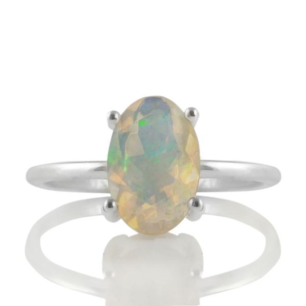 Нежен сребърен пръстен с фасетиран етиопски опал