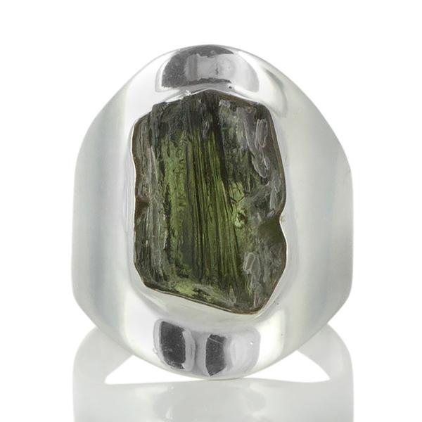 Сребърен пръстен с молдавит