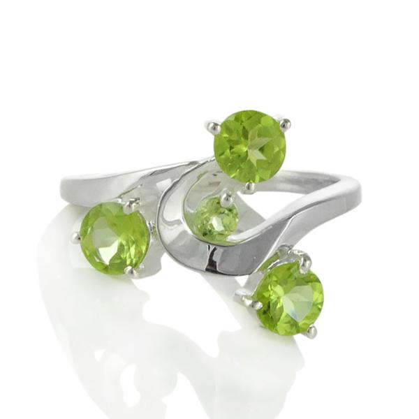 Сребърен пръстен с перидоти