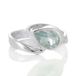 Сребърен пръстен с фасетиран аквамарин