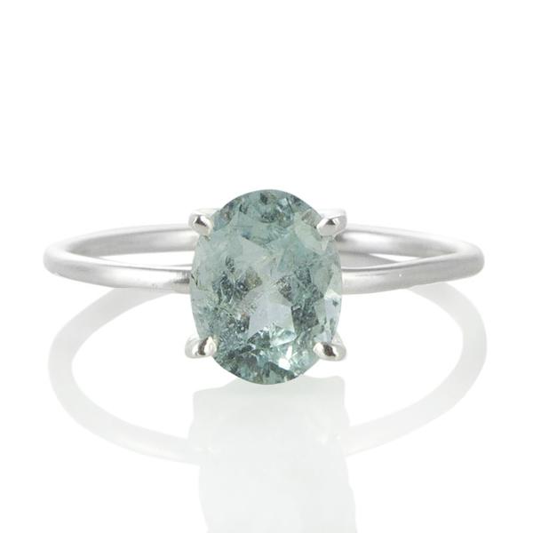 Нежен сребърен пръстен с аквамарин
