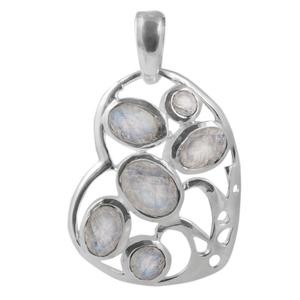 Сребърен медальон-сърце с фасетиран лунен камък