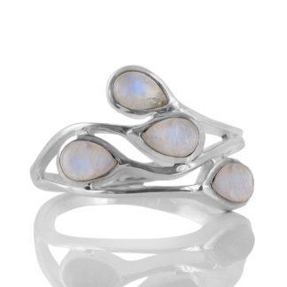 Сребърен пръстен с кабошони лунен камък