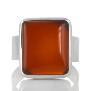 Изчистен сребърен пръстен с кабошон карнеол
