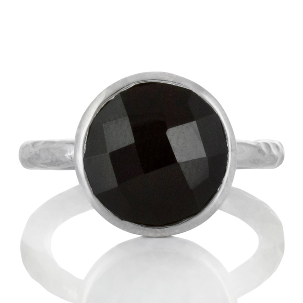 Сребърен пръстен с фасетиран черен оникс