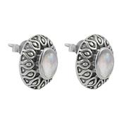 Сребърни обеци с лунен камък в орнаментиран обков на винт