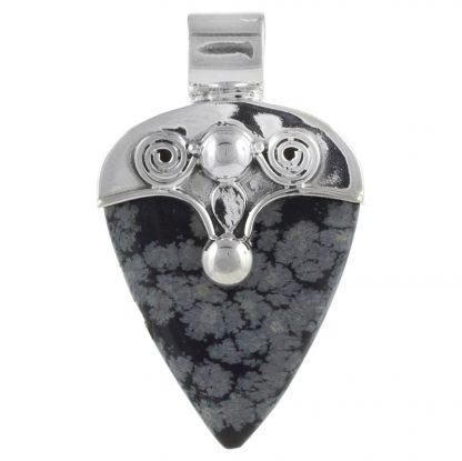 Сребърен медальон със снежинков обсидиан