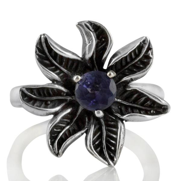 Сребърен пръстен – цвете с фасетиран иолит