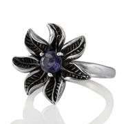 Сребърен пръстен - цвете с фасетиран иолит