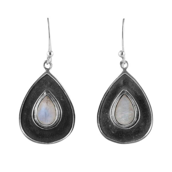 Сребърни обеци с кабошони лунен камък