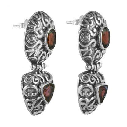Орнаментирани сребърни обеци с гранат на винт