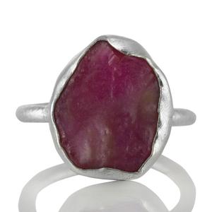 Сребърен пръстен с необработен рубин