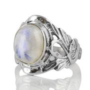 Сребърен пръстен с кабошон лунен камък