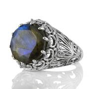 Едър сребърен пръстен с фасетиран лабрадорит