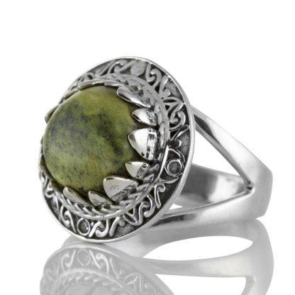 Пръстен със серпентин (Змийски камък) в сребърен обков