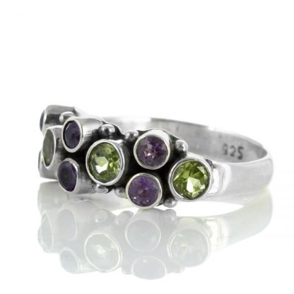 Сребърен пръстен с перидоти и аметисти