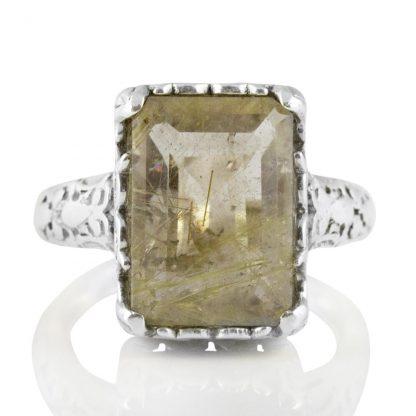 Орнаментиран сребърен пръстен с правоъгълен рутилов кварц