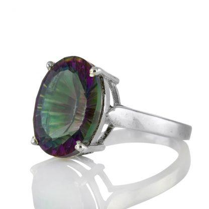 Изчистен сребърен пръстен с едър мистик топаз
