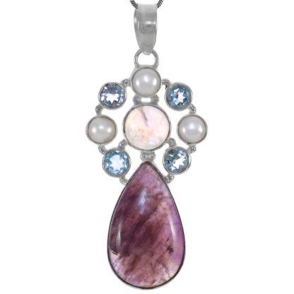 Сребърен медальон с какоксенит, сини топази, лунен камък и перли
