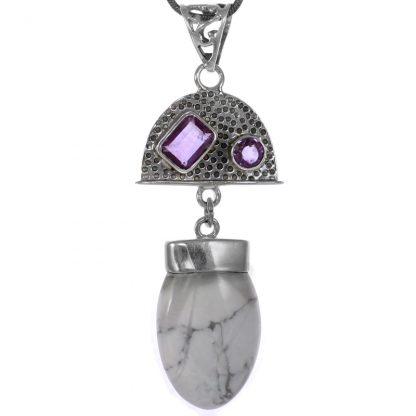 Сребърен медальон с хаулит и аметисти