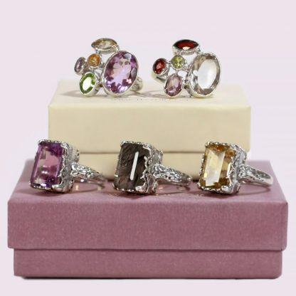 Сребърни пръстени с естествени камъни