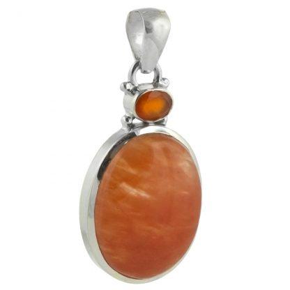 Сребърен медальон с оранжев калцит и фасетиран карнеол