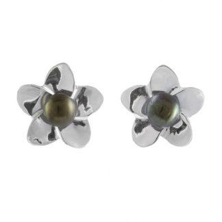 Нежни сребърни обеци с перли на винт